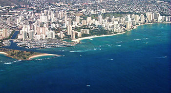 English: Aerial of Waikiki and Ala Moana, Hono...