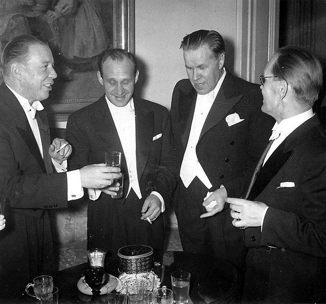 File:Waltari-Linna-Laine-Viljanen-1956.jpg