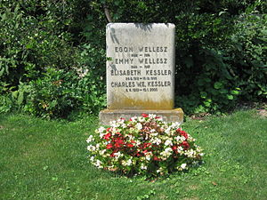Egon Wellesz - Grave of Egon Wellesz, his wife and other family members at the Zentralfriedhof in Vienna