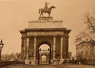 Wellington Arch - The Wellington Statue on the Arch in the 1850s