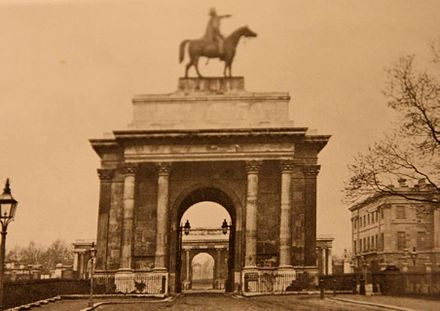 The Wellington Statue on the Arch in the 1850s Wellington on Arch 2.jpg