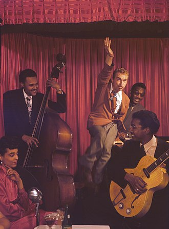 Hipster (contemporary subculture) - Hot jazz artist Harry Gibson (at the piano), coiner of the word hipster in the 1940s