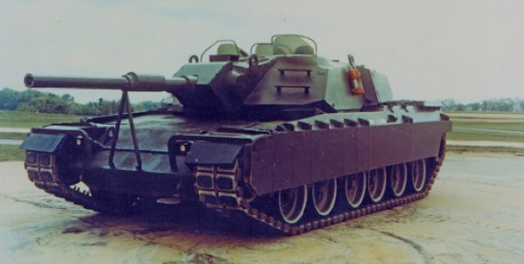 XM1 GM prototype oblique left.png