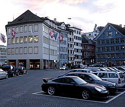 Goldman Sachs offices at the Fraumünsterplatz in Zürich (the light-colored building on the left)