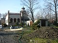 Zabudowania szybu Elżbieta w Chorzowie kompresorownia, wieża szybowa z nadszybiem..jpg
