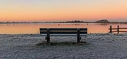 Zon komt op boven een winters landschap. Locatie, Langweerderwielen (Langwarder Wielen) en omgeving 01.jpg