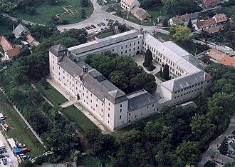 Zsámbék - Castle