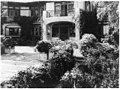 """Près Choisis,"" Albert Herter house, Georgica Pond, East Hampton, New York. Entrance at blue and white garden terrace LCCN90709124.jpg"