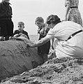 , badgasten, zandkastelen, stranden, Bestanddeelnr 900-8130.jpg