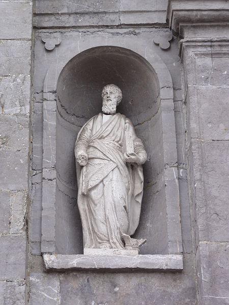 Étréaupont (Aisne) Église Saint-Martin, statue sur la façade g