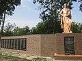 Братська могила радянських воїнів та пам'ятний знак на честь воїнів-односельців, с. Донцівка.jpg