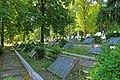 Братські могили воїнів, що загинули в роки Великої Вітчизняної війни (129 могил) Київ вул. Байкова, 6.JPG