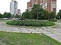 Квітник на вул. Закревського - panoramio.jpg