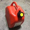 プラスチック製ガソリン容器.jpg