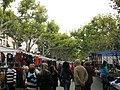 087 Passeig de la Indústria en dia de mercat.jpg