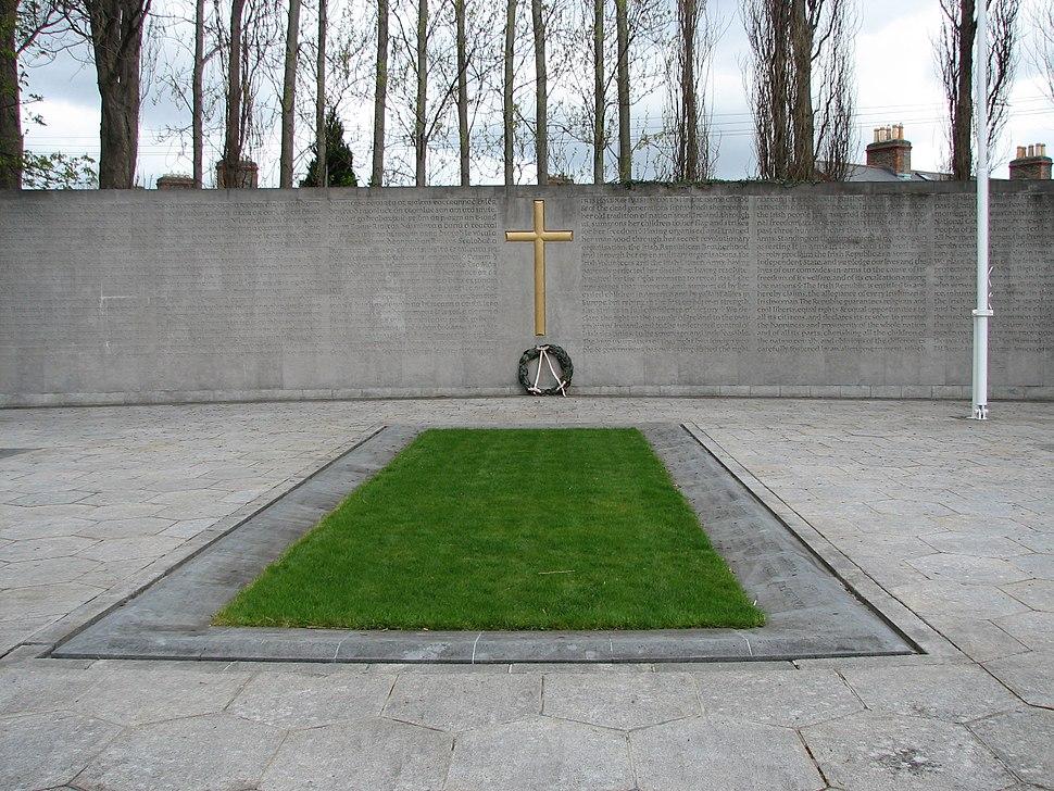 1916 plot and memorial
