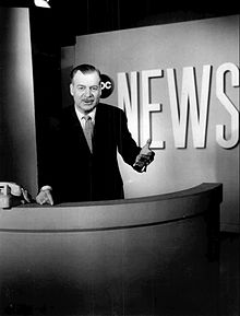 1963 Ron Cochran News Program Set Desk ABC Commentator Anchor Press Photo.jpg