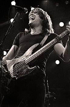 1982 Cliff Williams.jpg