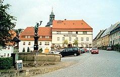 20020727850AR Lauenstein (Geising) Markt Falknerbrunnen.jpg