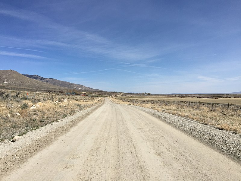 File:2015-04-04 11 22 42 View north along Ruby Valley Road ...