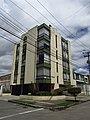 2018 Bogotá edificio esquinero en la tr 24 dg 59.jpg