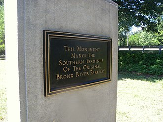 Bronx River Parkway - Plaque at 211th Street