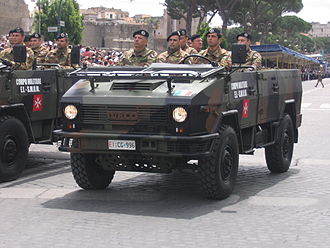 Military Corps of the Sovereign Military Order of Malta, ACISMOM, in parade during Festa della Repubblica in Rome (2007) 2june 2007 489.jpg