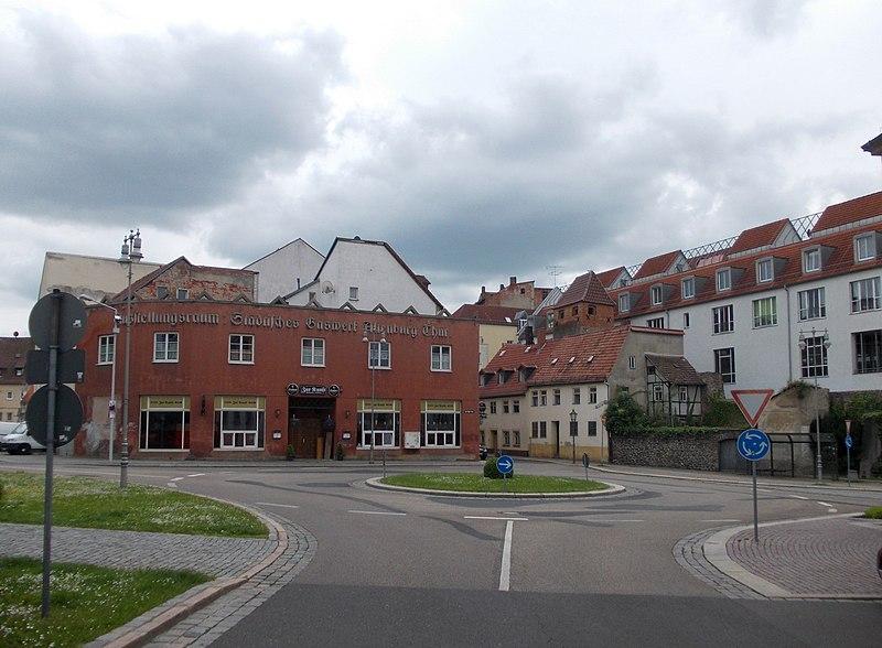 File:ABG-KreiselKlTeich.JPG