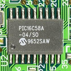 AST Research Ascentia A Series - Synaptics TM1202SPU-154-5 - Microchip PIC16C58A-93300.jpg