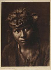 EDWARD SHERIFF CURTIS LE PHOTOGRAPHE DES AMÉRINDIENS 175px-A_Son_of_the_Desert_-_Navaho%2C_1904