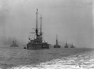 Fleet review (Commonwealth realms) - One of the lines of battleships at the 1909 review.