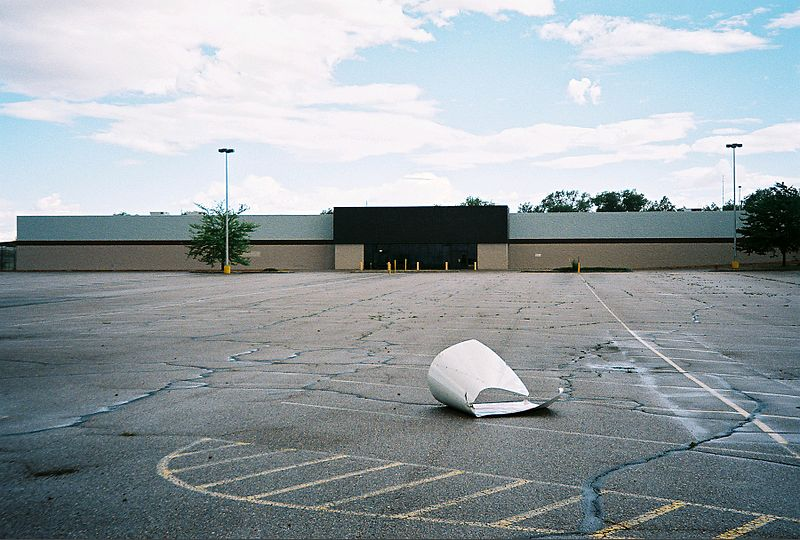File:Abandoned La Junta, CO Wal-Mart.jpg