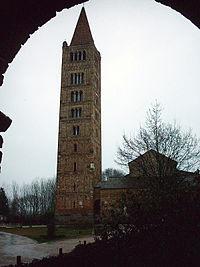 Abbazia di Pomposa-campanile.jpg