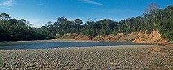 Acantilados del río Madidi - Parque Nacional Madidi - La Paz - Bolivia.jpg
