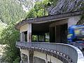 Admont - Nationalpark Gesäuse - um den Fels herum gebauter Tunnel an der Gesäusestraße.jpg