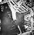 Aerial view of Casablanca harbour in 1942.jpg