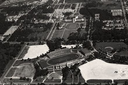 University of Houston, circa 1950 Aerial view of the University of Houston (1950).JPG