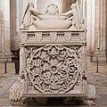 Alcobaça-Monsteiro de Santa Maria-Túmulo de D. Pedro I-Rota Fortunae-20140915.jpg