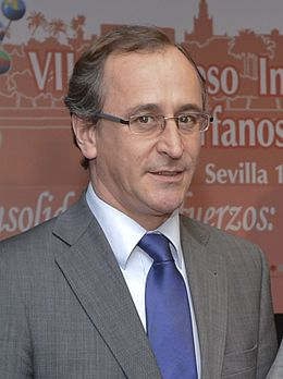 Alfonso Alonso 2015 (cropped).jpg