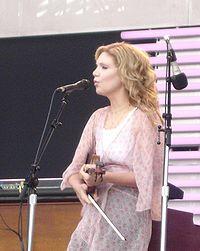Alison Krauss en un concierto. Fotografía de 2007.