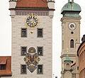 Altes Rathaus München - Fassade 001.jpg