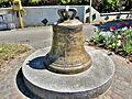 Ancienne cloche, moyenne, de l'abbatiale. (2).jpg