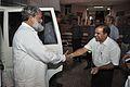 Anil Vij Shakes Hands with Anil Shrikrishna Manekar - NCSM - Kolkata 2016-10-07 8265.JPG