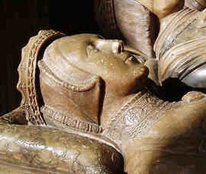 Anne Hastings, Countess of Shrewsbury - Effigy of Anne Hastings on the Talbot monument in Shrewsbury Chapel, Sheffield Cathedral. She is on the right side of her husband, and the latter's second wife is on his left
