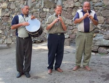 English: Armenian folk musicians.