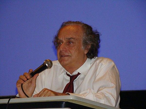 Arturo Carrari Net Worth