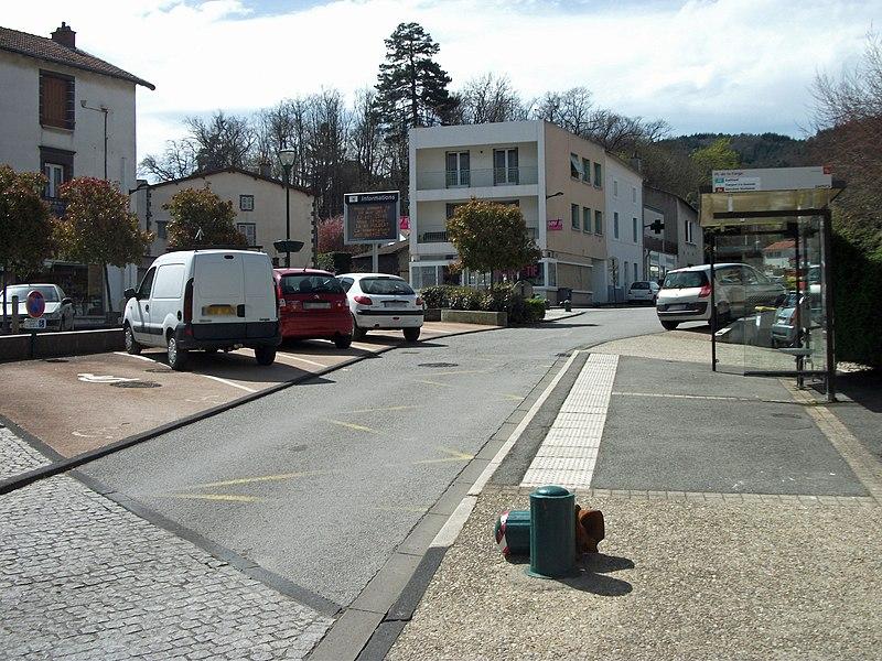 Bus stop Place de la Farge in Nohanent [8149]