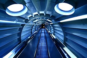 Atomium Escalator (4347819911).jpg