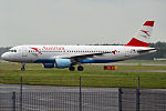 Austrian Airlines, OE-LBN, Airbus A320-214 (18967281304) (2).jpg