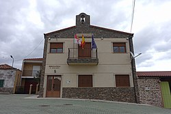 Ayuntamiento de Herguijuela de Ciudad Rodrigo.jpg